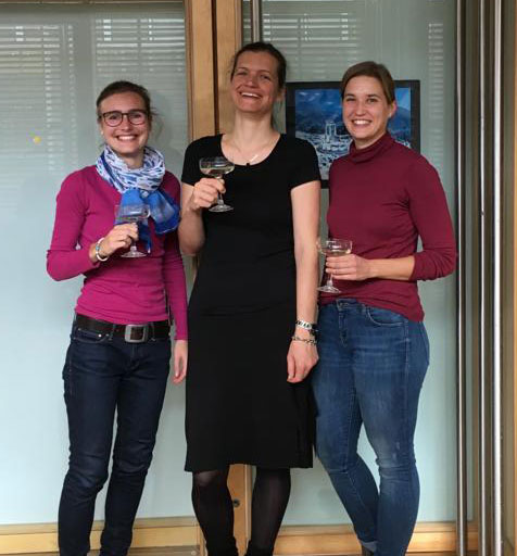 Sarah Zobel and Mechthild Lorenz finished their work on their medical thesis, which contributed to our just accepted publication in viruses.